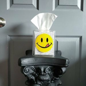 Smiley Face Transparent Plastic Tissue Box Cover